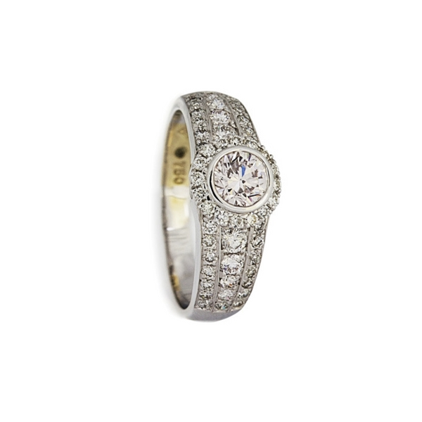 VINTAGE CONTESSA ETERNITY RING